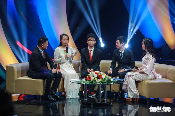 Thủ tướng Nguyễn Xuân Phúc: bạn trẻ hãy đưa đất nước thành hổ, thành rồng - Ảnh 4.