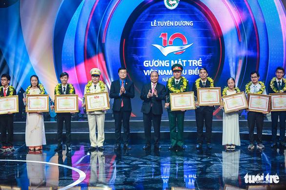 Thủ tướng Nguyễn Xuân Phúc: bạn trẻ hãy đưa đất nước thành hổ, thành rồng - Ảnh 1.