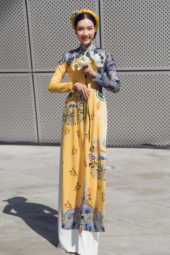 Nàng thơ xứ Huế tỏa sáng cùng áo dài ở Seoul Fashion Week - Ảnh 5.