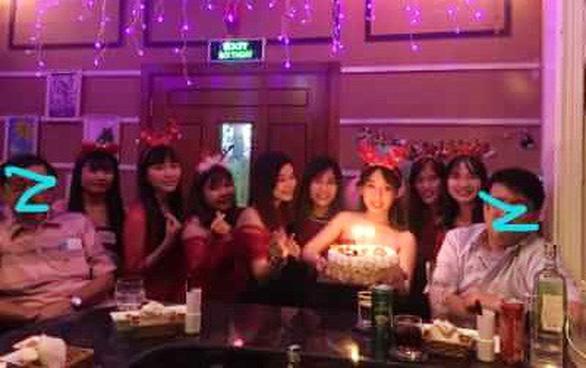 Bar kiểu Nhật ở Sài Gòn: Những khách Nhật si tình - Ảnh 3.