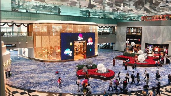 Bên trong sân bay tốt nhất thế giới Changi - Ảnh 7.