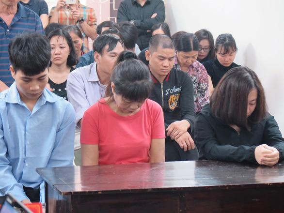 Chủ quán karaoke cháy làm 13 người chết lãnh 9 năm tù - Ảnh 1.