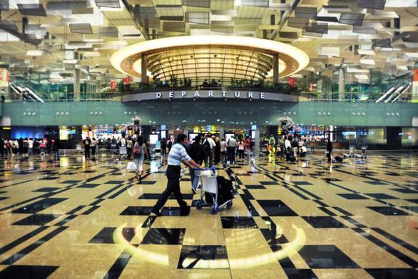 Bên trong sân bay tốt nhất thế giới Changi - Ảnh 5.