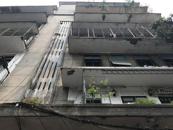 Sau vụ Carina: ông Đoàn Ngọc Hải tổng kiểm tra các chung cư quận 1 - Ảnh 6.