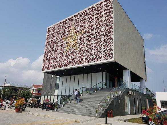 Nhà trưng bày Hoàng Sa: nằm trên đường Hoàng Sa, hướng về Biển Đông - Ảnh 1.
