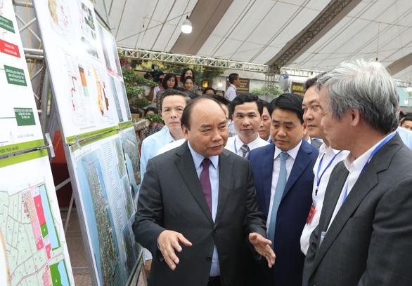 Thủ tướng Nguyễn Xuân Phúc: Tôi đến đây để quảng bá gốm sứ Bát Tràng - Ảnh 5.