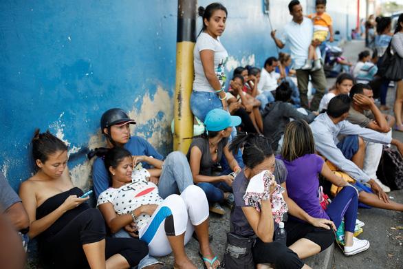 Bạo loạn trong nhà tù tại Venezuela, 68 người chết - Ảnh 2.