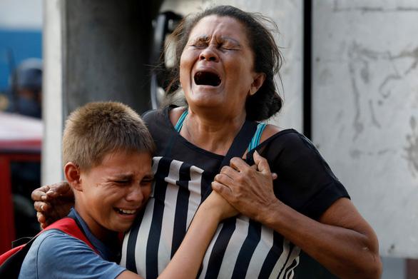 Bạo loạn trong nhà tù tại Venezuela, 68 người chết - Ảnh 4.