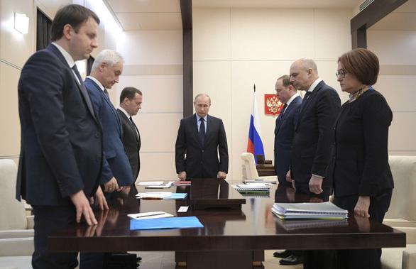 Nga quốc tang 64 người chết cháy, Tổng thống Putin hứa trừng trị kẻ gây họa - Ảnh 2.