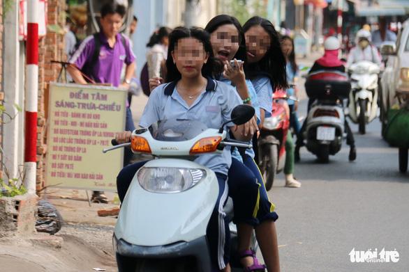 Sao người Việt ra nước ngoài văn minh, về nhà lại luộm thuộm? - Ảnh 5.