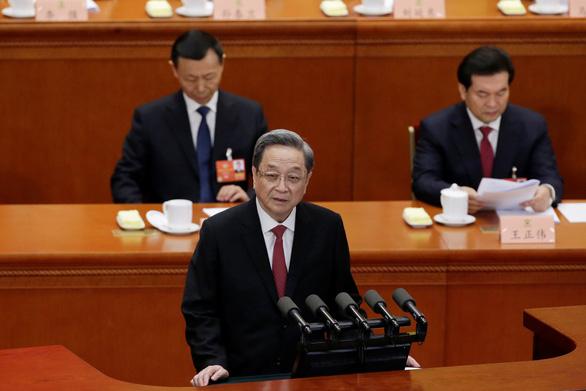 Bắc Kinh bất ngờ dịu giọng sau khi đe dọa 'thiêu đốt' Đài Loan - Ảnh 1.