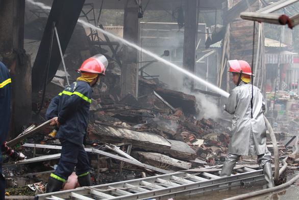 Cháy lớn tại chợ Quang ở xã Thanh Liệt, Hà Nội - Ảnh 7.