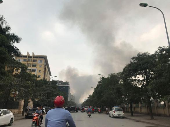Cháy lớn tại chợ Quang ở xã Thanh Liệt, Hà Nội - Ảnh 8.