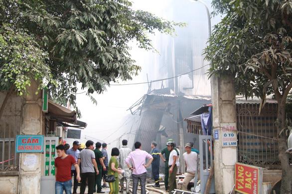 Cháy lớn tại chợ Quang ở xã Thanh Liệt, Hà Nội - Ảnh 9.