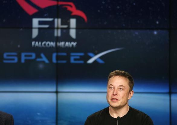 SpaceX được cấp phép triển khai dịch vụ Internet vệ tinh tốc độ cao - Ảnh 1.