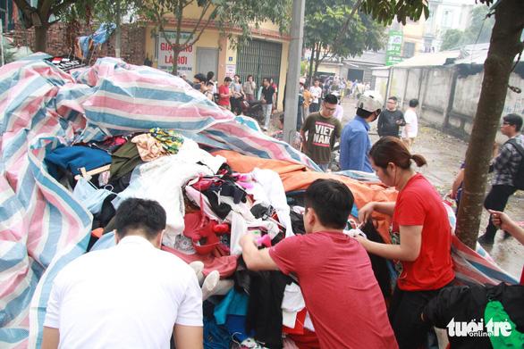 Cháy lớn tại chợ Quang ở xã Thanh Liệt, Hà Nội - Ảnh 12.