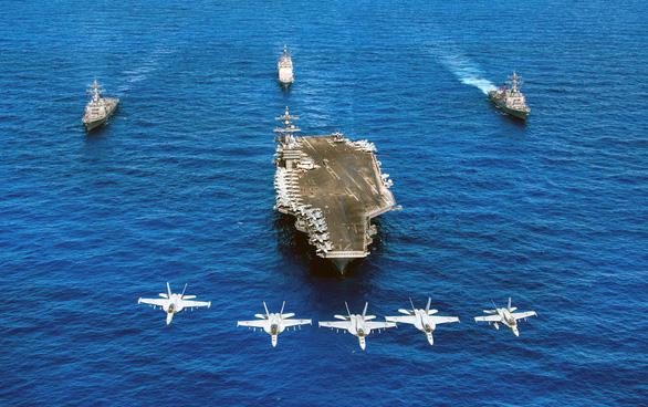 Siêu hàng không mẫu hạm USS Carl Vinson làm gì tại Đà Nẵng? - Ảnh 1.