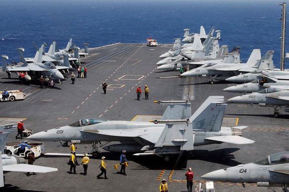 Siêu hàng không mẫu hạm USS Carl Vinson làm gì tại Đà Nẵng? - Ảnh 4.