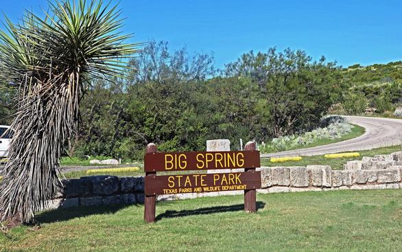 Đến Big Spring ở Texas học nghĩa từ Saloon - Ảnh 1.
