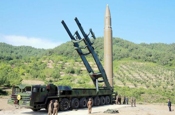 Kim Jong Un vồ vập Hàn Quốc để phá vòng vây của Mỹ? - Ảnh 5.