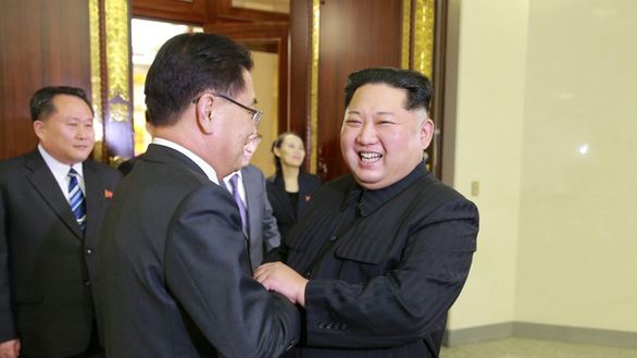 Kim Jong Un vồ vập Hàn Quốc để phá vòng vây của Mỹ? - Ảnh 1.