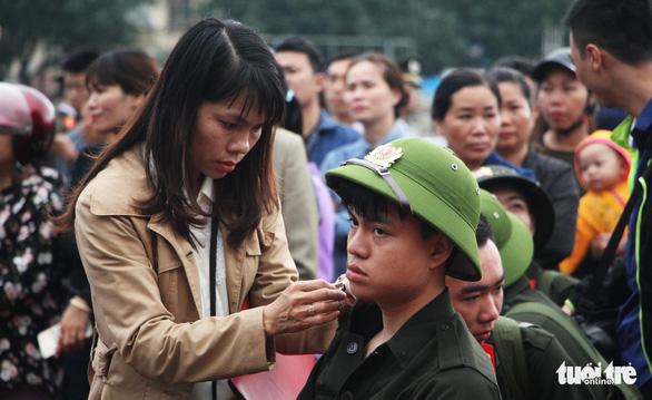 Thanh niên Nghệ An ngày nhập ngũ quyết 'vượt nắng, thắng mưa' - Ảnh 2.