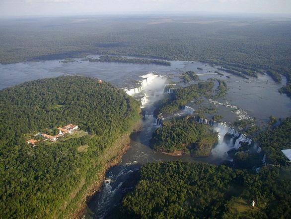 Điểm mặt những thác nước hùng vĩ nơi biên giới - Ảnh 6.