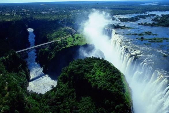 Điểm mặt những thác nước hùng vĩ nơi biên giới - Ảnh 2.