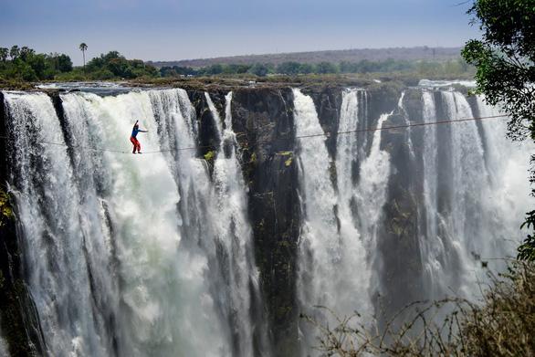 Điểm mặt những thác nước hùng vĩ nơi biên giới - Ảnh 1.