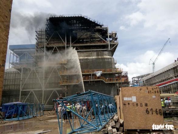 Cháy lớn tại nhiệt điện Duyên Hải 3, cả chục người đu dây thoát thân - Ảnh 6.