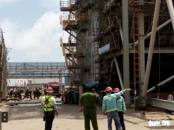 Cháy lớn tại nhiệt điện Duyên Hải 3, cả chục người đu dây thoát thân - Ảnh 4.