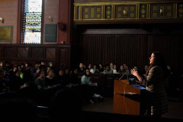 Có gì trong lớp học được nhiều sinh viên Yale đăng ký nhất? - Ảnh 2.