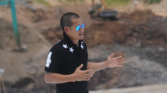 Bị khởi kiện, đạo diễn Việt Tú khởi kiện lại - Ảnh 1.
