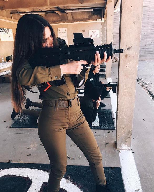 Tranh luận dữ dội tại Israel vì các nữ binh sĩ... quá đẹp - Ảnh 16.