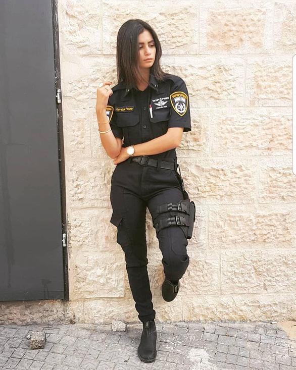 Tranh luận dữ dội tại Israel vì các nữ binh sĩ... quá đẹp - Ảnh 8.