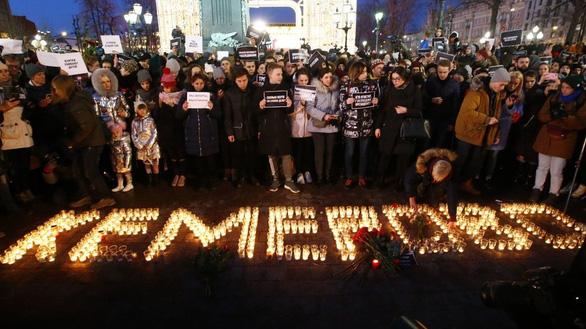 Dân chết cháy, thống đốc Nga xin từ chức vì tự trọng - Ảnh 1.
