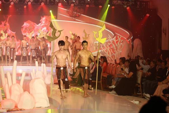 Lệ Nam đăng quang Người mẫu thời trang cùng cơn mưa giải thưởng - Ảnh 9.