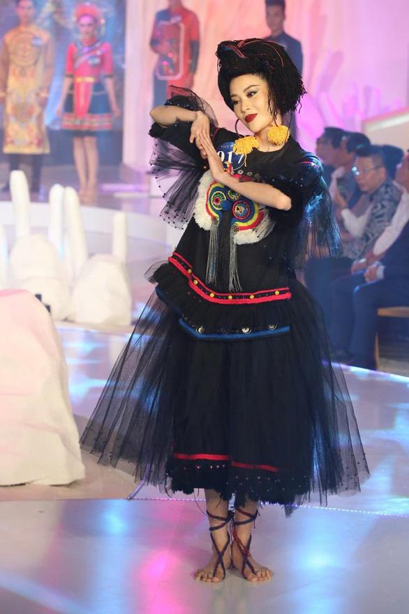 Lệ Nam đăng quang Người mẫu thời trang cùng cơn mưa giải thưởng - Ảnh 4.
