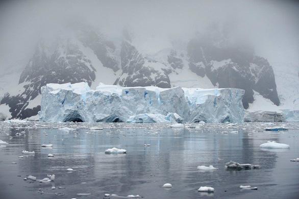 Ngắm vẻ đẹp băng giá và chim cánh cụt ở Nam cực - Ảnh 13.