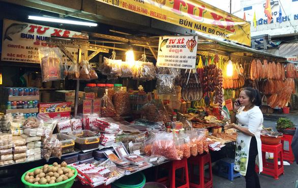 Chợ Campuchia trong lòng Sài Gòn - Ảnh 4.