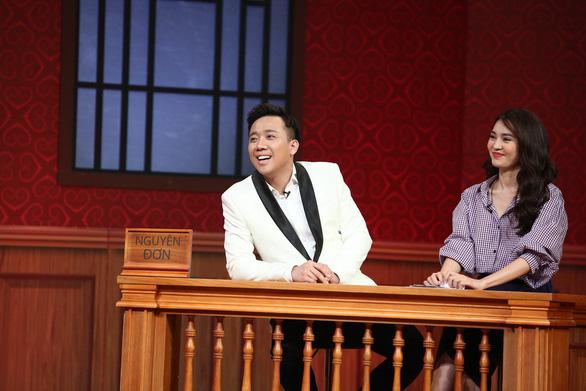 Trấn Thành giúp Ninh Dương Lan Ngọc kiện S.T ở Phiên tòa tình yêu - Ảnh 1.