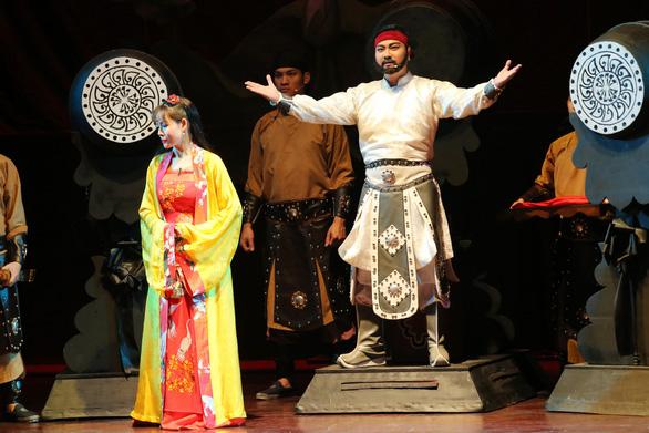 Hồng Vân, Chí Trung, Hoài Linh, Xuân Bắc... dự Liên hoan Kịch nói - Ảnh 9.