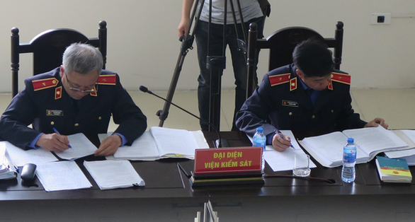 Xử cựu ĐBQH Châu Thị Thu Nga: Tranh cãi nảy lửa với Viện kiểm sát - Ảnh 2.
