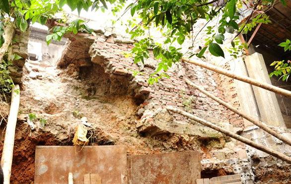 Sạt lở đất tại Lào Cai, 3 người chết - Ảnh 2.