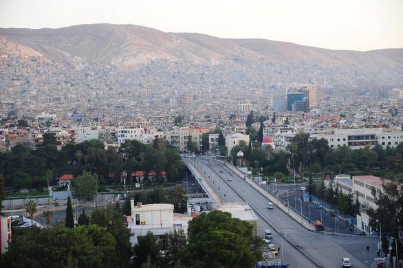Tổng thống Syria vẫn đến Dinh làm việc - Ảnh 2.
