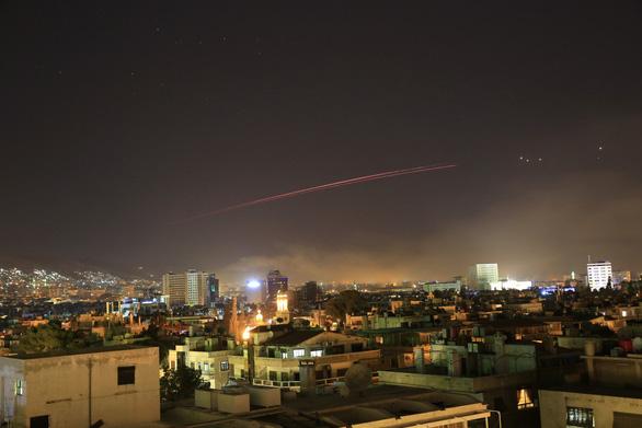Liên quân dội tên lửa xuống bao nhiêu điểm ở Syria? - Ảnh 1.