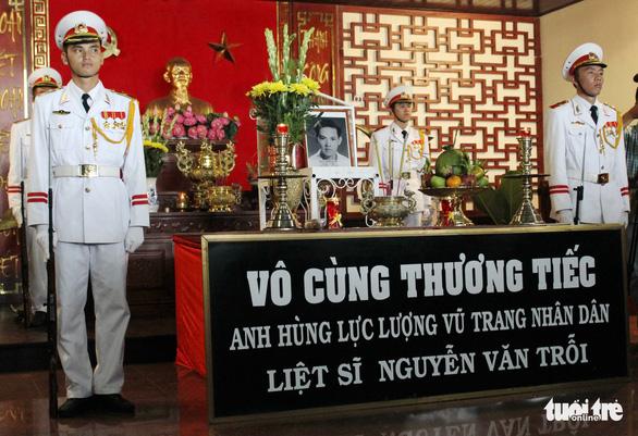 Anh Nguyễn Văn Trỗi đã an nghỉ tại nghĩa trang liệt sĩ TP.HCM - Ảnh 4.