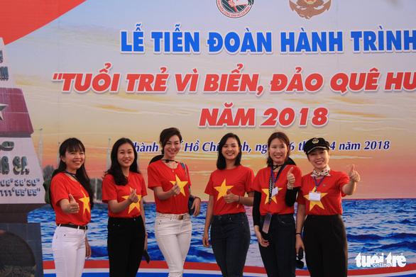 Đoàn Hành trình Tuổi trẻ vì biển đảo quê hương lên đường thăm Trường Sa - Ảnh 3.