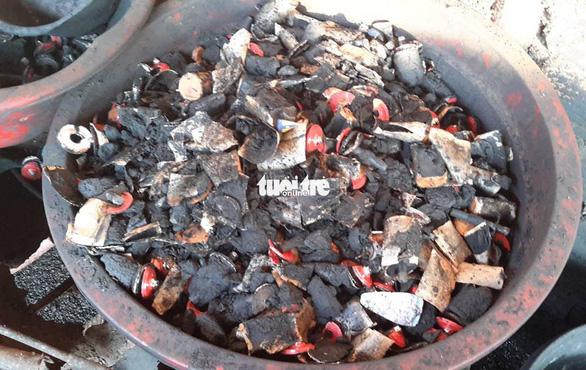 Còn nhiều cà phê bẩn trộn than pin tại thủ phủ Đắk Nông - Ảnh 4.