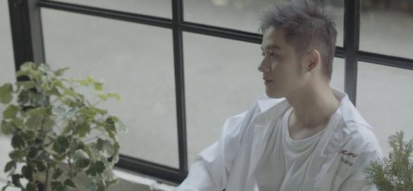Thanh Duy táo bạo ướt át trong MV Người lạ thân quen - Ảnh 6.